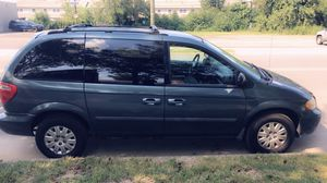 2005 Chrysler Town and Country minivan for Sale in Willingboro, NJ
