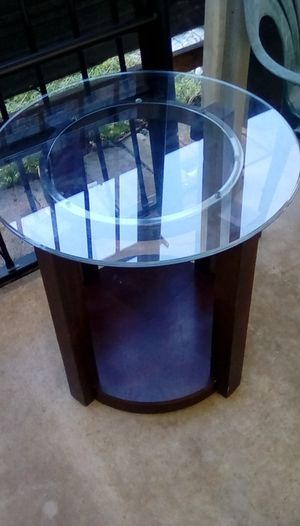 Glass end table for Sale in Coral Gables, FL