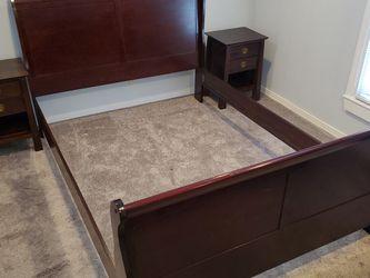 Queen Size Bedroom Set Cherry Walnut for Sale in West Windsor Township,  NJ