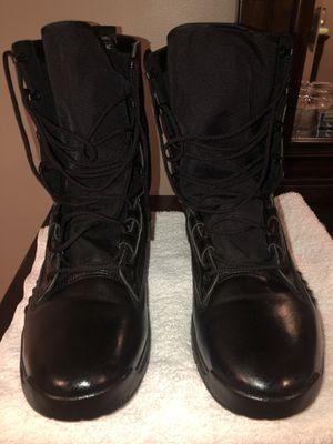 Nike Boots Black sz 13 like new for Sale in Belleville, NJ