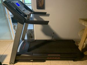 ProForm 520 ZN Treadmill for Sale in Kissimmee, FL