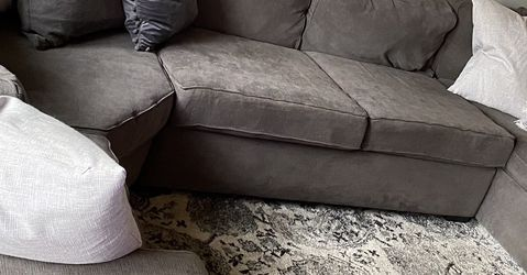 Sectional Couch, Grey/Gray for Sale in Mercer Island,  WA