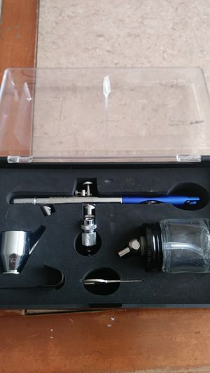 Air brush .central pneumatic . for Sale in Cleveland, OH