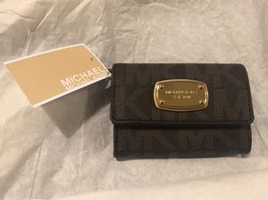 BRAND NEW MICHAEL KORS WALLET WITH TAGS for Sale in North Las Vegas, NV