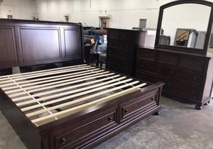 6 piece King Bedroom Set for Sale in High Point, NC