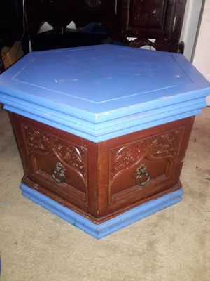 Antique end table for Sale in Santa Maria, CA