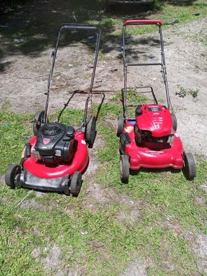 2 pushmowers for Sale in Auburndale, FL