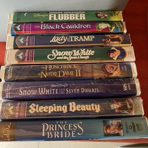 Vhs Tapes (lot Of 8) for Sale in Montgomery, AL