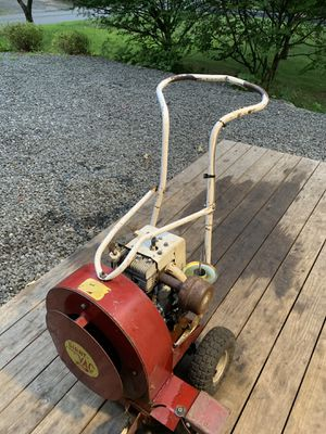 11 Horse Giant Vac Push Blower for Sale in Redding, CT