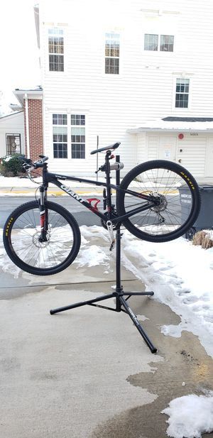 2015 27.5 Giant Talon 3 Mountain Bike for Sale in Centreville, VA