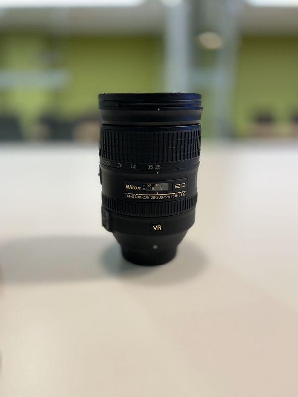 Nikon Nikkor 28-300mm 3.5-5.6 G