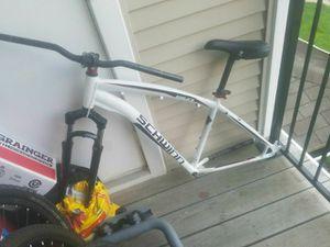 Schwinn bike frame for 29in whheels for Sale in Germantown, MD