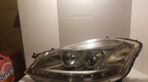 Mercedes Benz S550 facelift headlight for Sale in Barnegat, NJ
