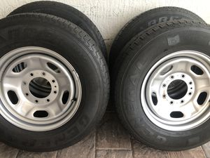 Duty 2500 wheels and tires General Grabber LT 245/75/17 for Sale in Hialeah, FL