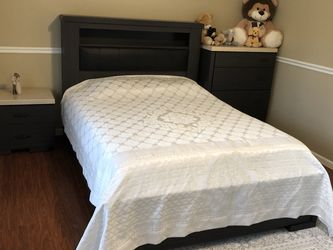 Queen Size Bed Set! Perfect Condition! for Sale in Gresham,  OR