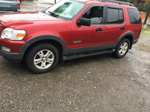 Real nice 06 Ford Explorer XLT Loaded for Sale in Pittsburgh, PA