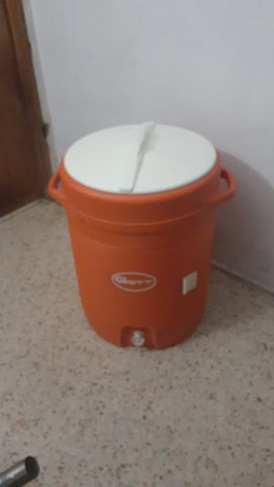 """10 gallon GOTT BEVERAGE COOLER """"LIKE NEW"""" NO OFFERS, PRICE IS FIRM for Sale in North Miami, FL"""