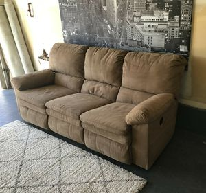 Nice tan recliner couch • Good condition • Free delivery for Sale in Las Vegas, NV