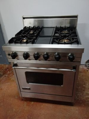 Viking Professional gas stove for Sale in Everett, WA