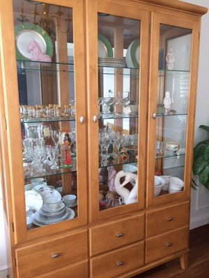 Ethan Allen China cabinet for Sale in Ashburn, VA