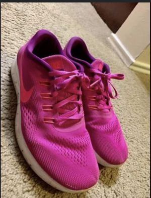 """Pink """"Free Runs"""" shoes for Sale in Dallas, TX"""