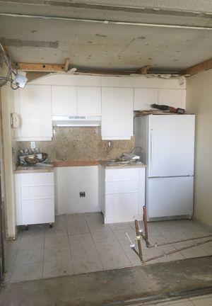 Kitchen cabinet coûter top granite, Amana refrigerator for Sale in Miami Beach, FL
