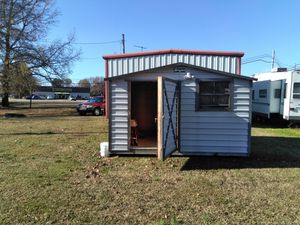 10 ft by 12 ft portable building 4 ft door insulated $1,200 for Sale in Cabot, AR