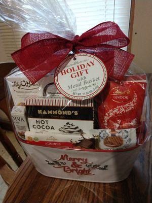 Gift basket for Sale in Newton, KS