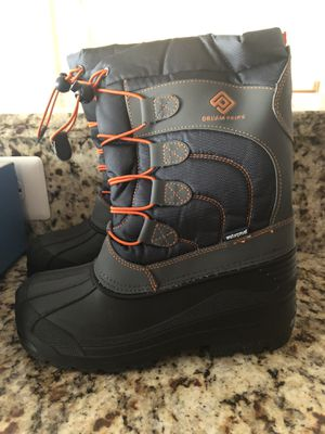 Brand new with tags - Snow boots (Kid size 3) for Sale in Frederick, MD