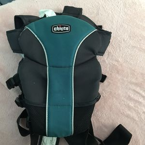 Chicco Baby Carrier for Sale in Chicago, IL