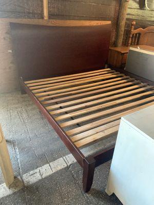 All SolidWood King Size Platform Bed Frame for Sale in Ocala, FL