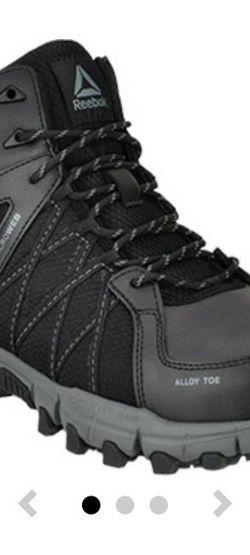 Brand New Reebok Size 10 Wide Work Boot, Alloy Toe, Waterproof for Sale in Philadelphia,  PA
