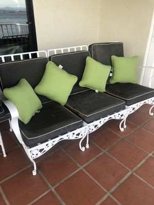 Brown Jordan white wrought iron patio furniture. Heavy duty construction. With cushions. for Sale in Coronado, CA