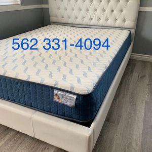Queen White Button tufted bed w. Orthopedic Mattress Included for Sale in Fresno, CA