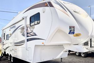 2012 Chaparral 29ft 5th wheel travel trailer for Sale in Mesa, AZ