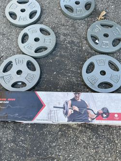 6x10lb Plates With Dumbbell Handle Bars And Curling Bar With Spin Locks for Sale in Whittier,  CA