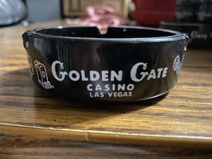 Vintage collectible Golden Gate Casino Las Vegas glass ashtray for Sale in North Las Vegas, NV