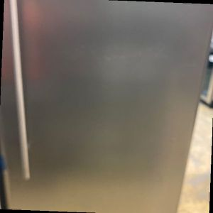 Danby DAR170A2BSLDD refrigerator 😯😯😯 19 for Sale in Fontana, CA