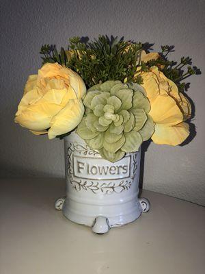 Flower vase decor for Sale in Katy, TX