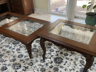 Coffee Table With One End table ( 58x 31 X15) End Table ( 31x25x20) Excellent Condition for Sale in Enterprise,  NV