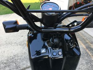 2017 Honda Ruckus scooter .. 340 miles only for Sale in Chicago, IL