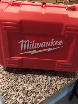 """MILWAUKEE STRONG BOX 19"""" x 12"""" X 12 for Sale in Las Vegas,  NV"""