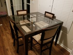 Table and chairs for Sale in Madison, NC