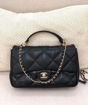 Chanel Flap Bag *2019 New Style* Lambskin Leather Medium Size (Crossbody Bag, Handbag, Purse) for Sale in San Jose, CA