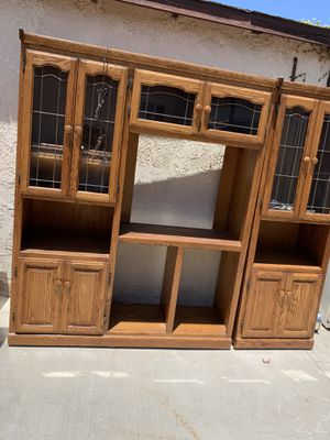 Vintage China Cabinet (Chinera) for Sale in Lawndale, CA