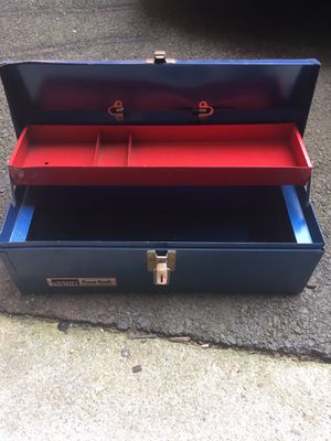 Metal tool box for Sale in Fairfax, VA