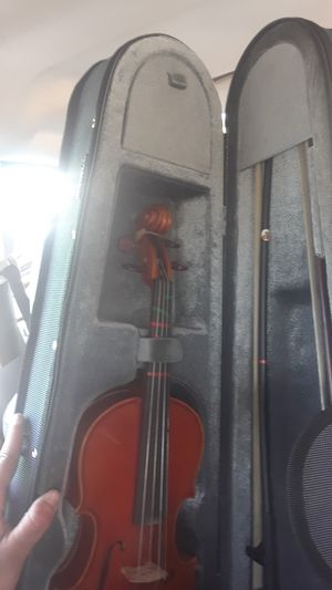 Yamaha V-5 1/4 violin for Sale in Baldwin Park, CA