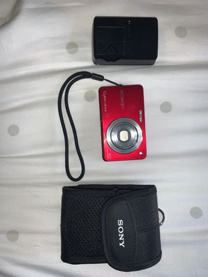 Red Sony Cyber-shot Handheld Camera for Sale in North Bend, WA
