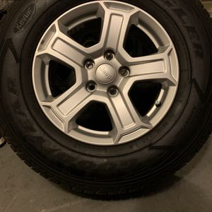 Goodyear Wranglers With Jeep Wheels for Sale in Hollywood, FL