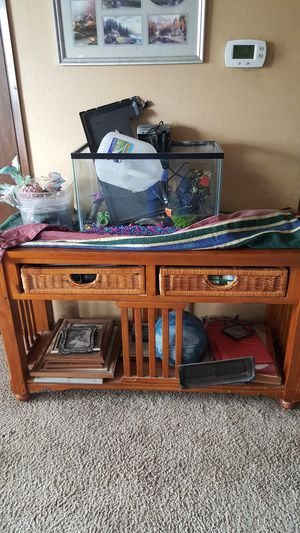 10 gallon fish tank set. You pick up. for Sale in Lafayette, OR